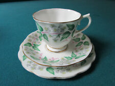 "Royal Albert England ""Travellers Joy"" 1950s Trio Cup Saucer Plate [*Rack]"