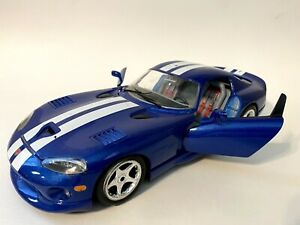 1996 Dodge Viper GTS Coupe 1:18 Scale Die Cast Car Burago made in Italy.
