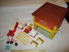Fisher Price Little People Play Family 928 Firestation fire station truck F set