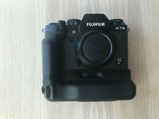 Fujifilm X-T3 26.1MP Digital Camera - Black with VG-Xt3 Vertical Battery Grip