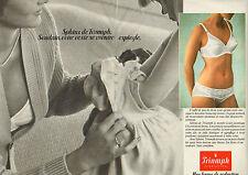 Publicité  Print AD 1981 (Double Page) Lingerie Sphinx Triumph soutien