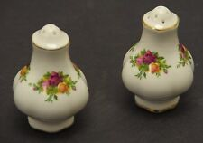 ROYAL ALBERT BONE CHINA ENGLAND OLD COUNTRY ROSES SALT & PEPPER
