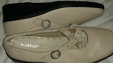 SIZE 5 1/2  BRAND NEW Cream LEATHER MELODY HOTTER BUCKLE SHOES