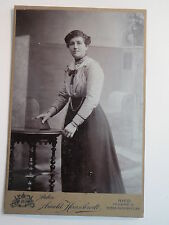 Ried Innkreis - 1915 - stehende Frau im Kleid / KAB