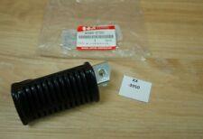 Suzuki GS1000 43560-37301 RUBBER, FOOTREST LH Genuine NEU NOS xx3950