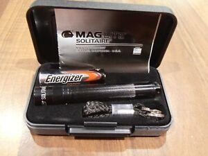 Mini Maglite Solitaire Black AAA Key Ring Flashlight BNIC