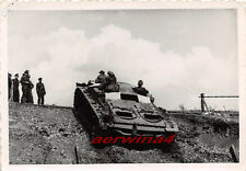 Franz. Frau Ausfahrt Sturmgeschütz III bei Somain Frankreich