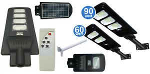 LAMPIONE STRADALE LED PANNELLO SOLARE Telecomando e Staffa 30W 60W 90W 120W ip65