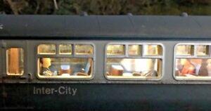 OO gauge DCC coach lighting set. Very easy installation. No batteries needed