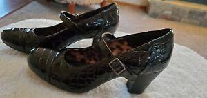 Clarks Sapphire Juno Black Croc Pumps Heels Size 8.5 EUC