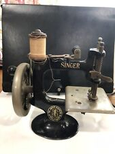 Collectible Vintage Childs Singer Sewing Machine Singer Sewhandy Model 20