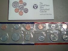 1992 UNITED STATES MINT UNCIRCULATED COIN SET IN ORIGINAL PACKAGING 12 COIN SET