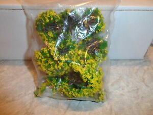 HO SCALE TREES  YELLOW AND GREEN  1.5 TO 3 IN. TALL LOT OF 10 PCS.  NEW