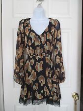 Honey Punch open slit back Boutique Dress Size S NWT