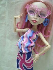 MONSTER HIGH MH DOLL & Outfit Set Ghoulebrities In Londoom VIPERINE GORGON