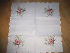 Satin Mitteldecke, creme-weiß, Schmetterlinge Blumen Stickerei, Bogenrand, 82x82