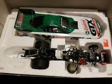 John Force 1/24 2001 Castrol GTX /10x Champion 2001 MUSTANG Funny Car p/n 102228