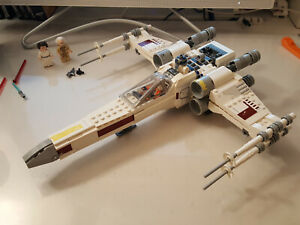Lego Star Wars X-Wing 75301 Complete with Minifigs