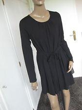 Marc Cain zauberhaftes Kleid N4 / 40  schwarz langarm   Marccain   NEU