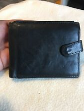 Gentlemans Black Genuine Leather Bifold Wallet.