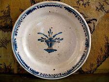 ancienne assiette en faïence de Rouen Cul noir XVIIIe siècle