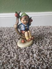 Goebel Hummel Figurine 142 3/0 Apple Tree Boy