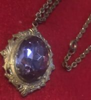 Antique vtg art nouveau Gold Tone locket w Amethyst Glass & Picture