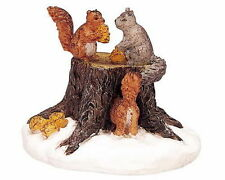 LEMAX CHRISTMAS VILLAGE HOUSE ACCESSORIES - SQUIRREL ON TREE STUMP #02858