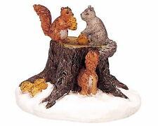 LEMAX CHRISTMAS VILLAGE ACCESSORIES - CHIPMUNK / SQUIRREL ON TREE STUMP #02858