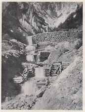 D2835 Briglie di pietra e legname in montagna - Stampa - 1922 vintage print