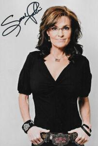 SARAH PALIN - Republican Politician - Former Governor of Alaska  Signed 8 x 10