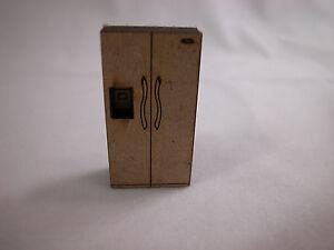 "Dollhouse Miniature 1/4"" Scale 1:48  Refrigerator Ice Box  #Z233"