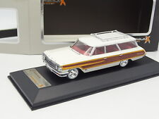 Premium X 1/43 - Ford Country Squire Blanco 1964