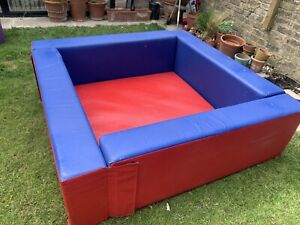Red And Blue Commercial Soft Play Ball Pit