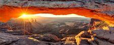 Wallario XXL Poster 80 x 200 cm - Sonnenstrahl Horizont – Leuchtende Felsspalte