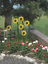 Busch HO Kit Sunflowers & Roses w/Water Pump/Trough - Kit #1232