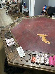 vintage poker table With 4 Chairs.