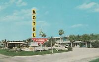 A)  Winter Haven, FL - Holiday House Motel - Exterior and Grounds - Signage