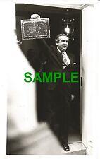 ORIGINAL PRESS PHOTO DENIS HEALEY LABOUR CHANCELLOR SPRING BUDGET 1977