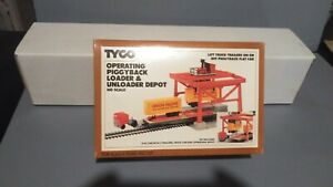Tyco HO UP Union Pacific operating Piggyback Loader And Unloader.