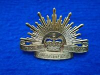 ERII THE AUSTRALIAN ARMY PLATED METAL CAP BADGE, LARGE TYPE, CLUTCH PIN FIXINGS