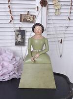 Figur Deckeldose Biedermeier Dame Box Schmuckschatulle Frauenfigur Schachtel