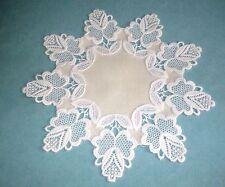 Handgefertigte runde Tischdecken fürs Esszimmer