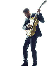 Bryan Adams UNSIGNED photo - D2128 - Canadian singer, guitarist & songwriter