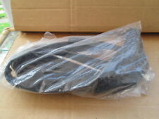 BRAND NEW GENUINE BENTLEY ARNAGE RIGHT FRONT DOOR OUTER WINDOW SEAL PP26334PD