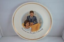 "VINTAGE 9"" PRESIDENT JOHN F. KENNEDY & MRS. KENNEDY COLLECTOR PLATE - GOOD"