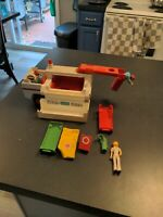 ⛑Vintage 1974 Fisher Price Adventure People Rescue Unit Truck #303 w/ Figures