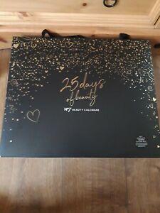 Boots No7 Beauty Advent Calendar Christmas 2020 WORTH £172.50!