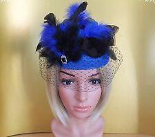 Fascinator Pillbox Hut Headpiece Spitze schwarz blau Schleier Brosche Hutgummi