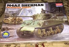 New ACADEMY M4A2 SHERMAN RUSSIAN ARMY TANK 1/35 SCALE Model Kit 13010